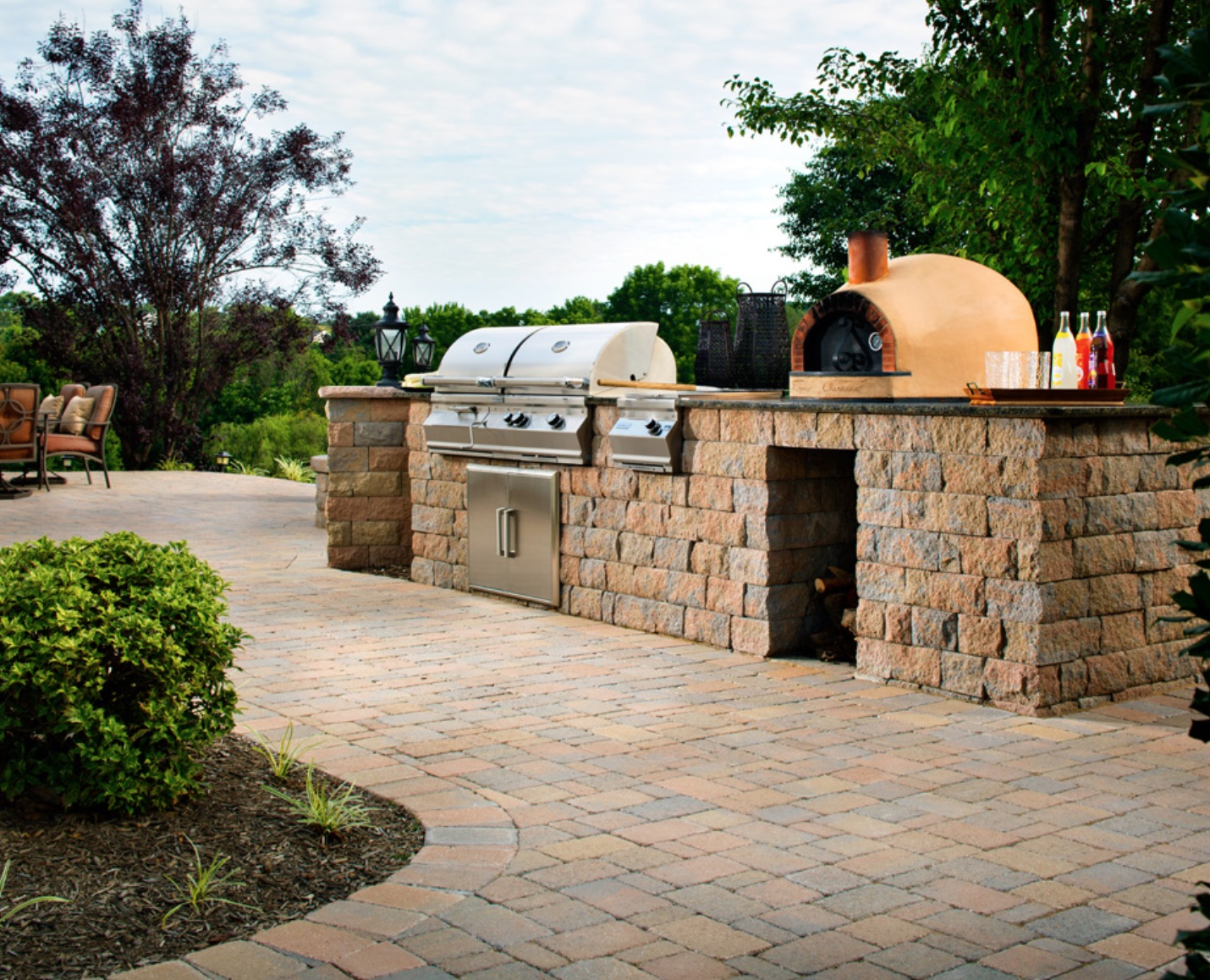 Outdoor Kitchen- Outdoor Kitchen