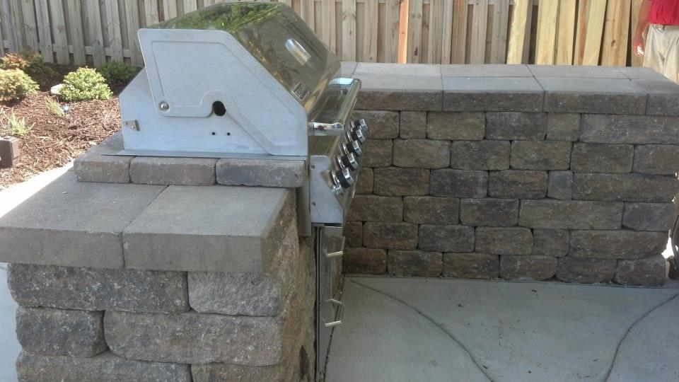 Outdoor Kitchen in Back Yard